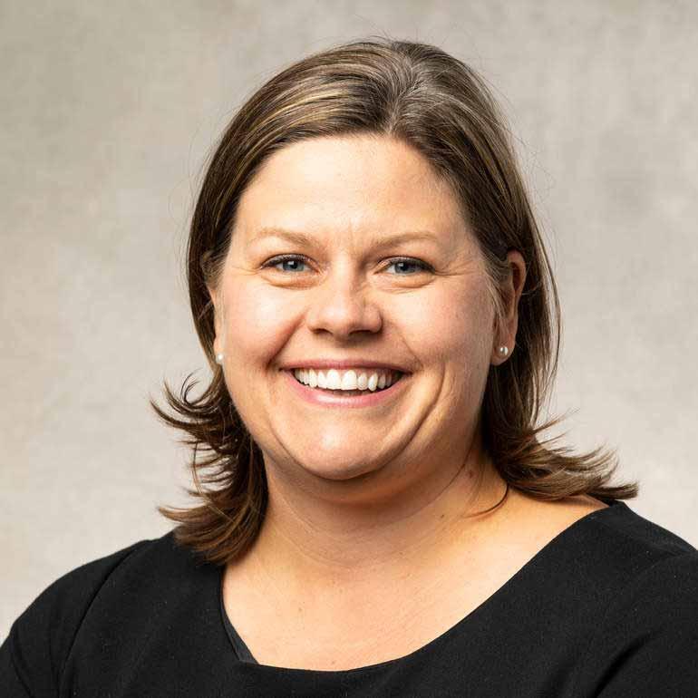headshot of Heather Anderson