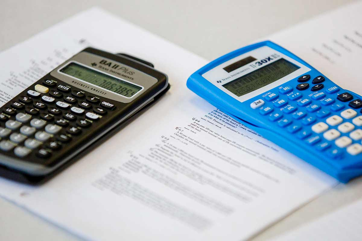 Calculators are shown in the Math Resource Center.